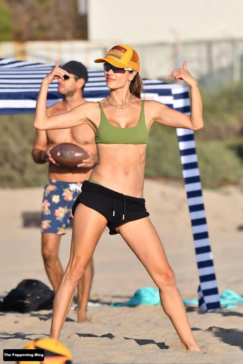Alessandra Ambrosio on Beach 23