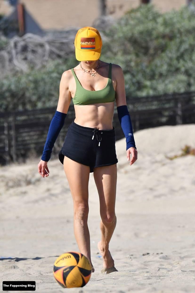 Alessandra Ambrosio on Beach 35