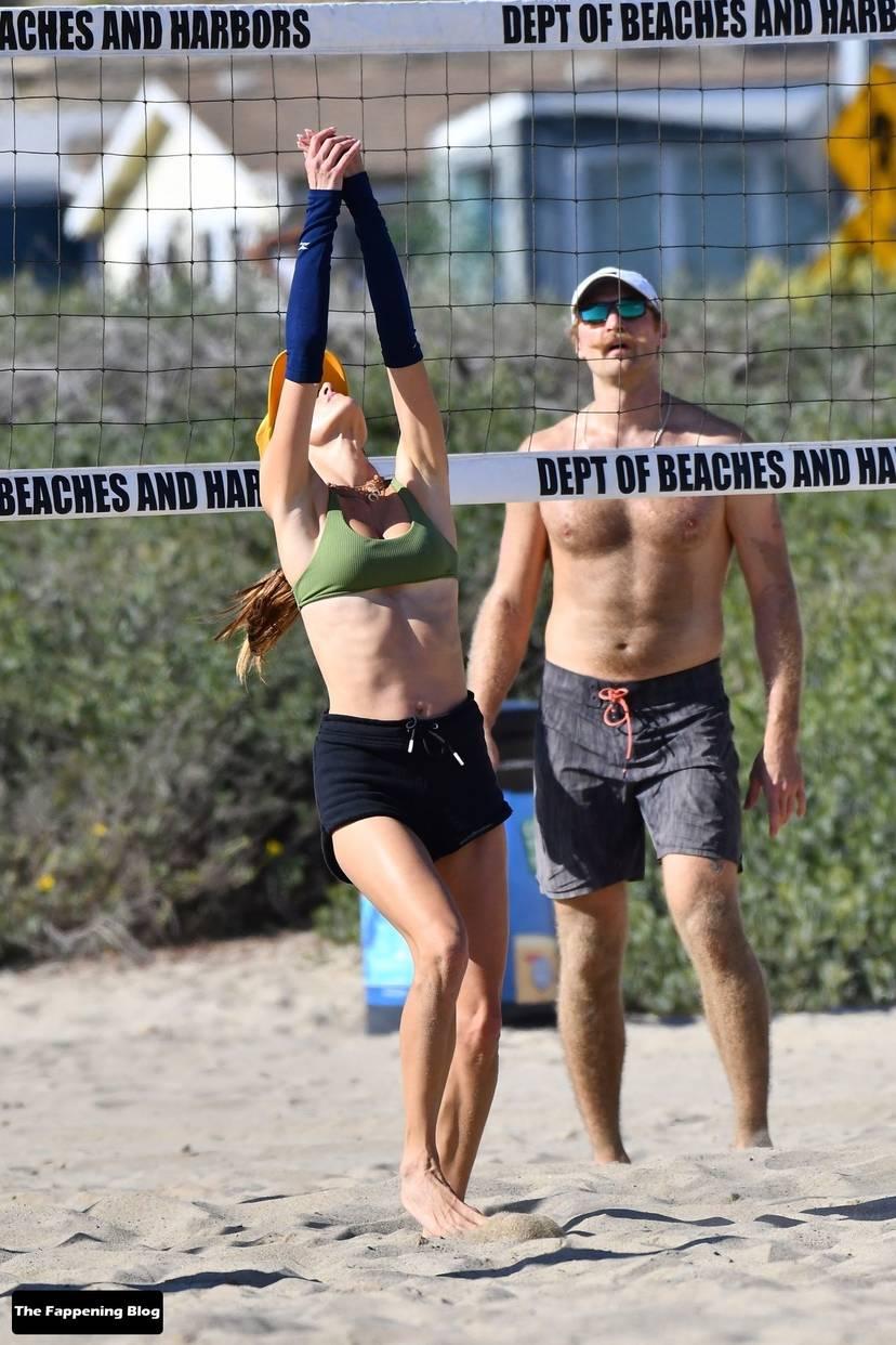 Alessandra Ambrosio on Beach 45