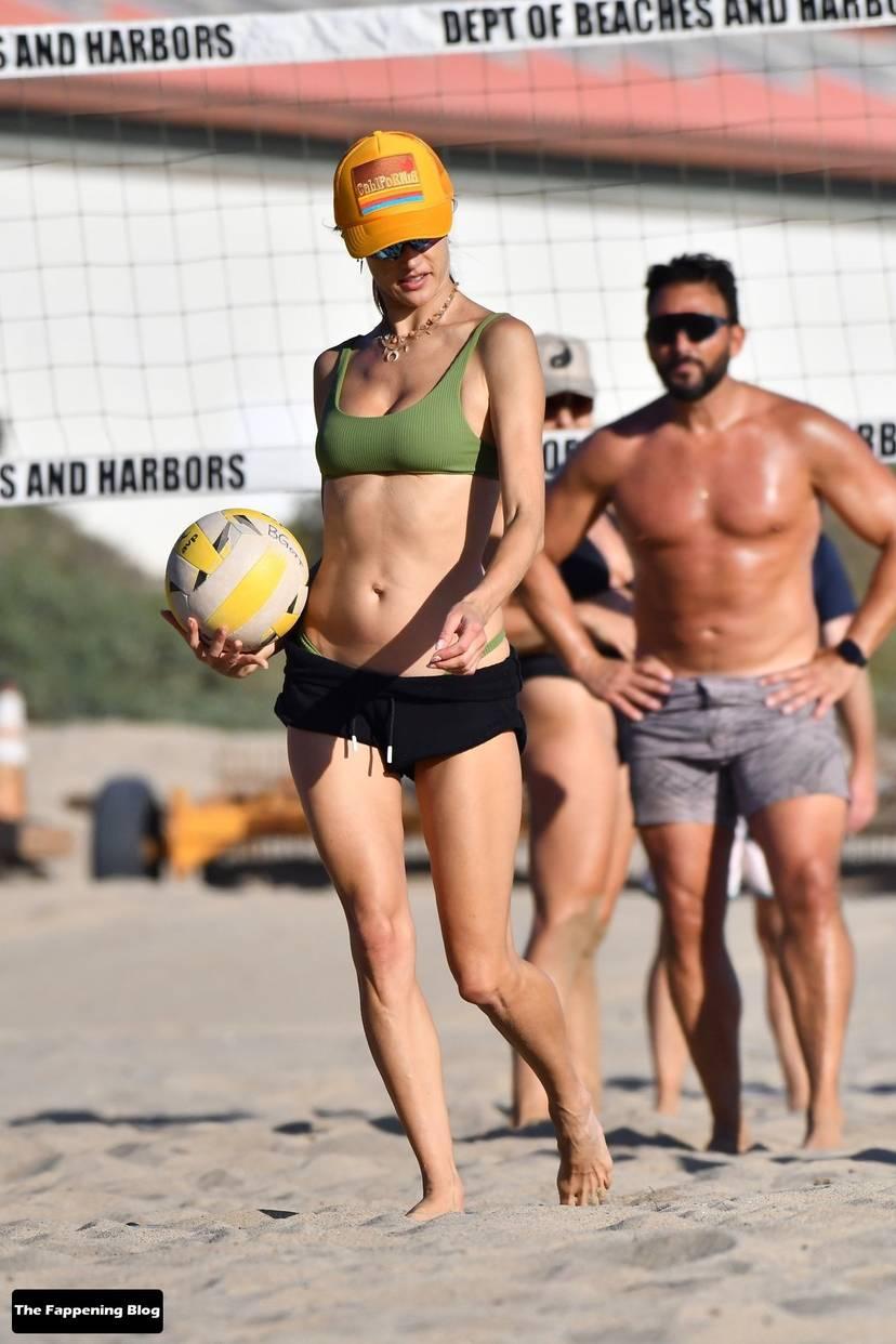 Alessandra Ambrosio on Beach 75