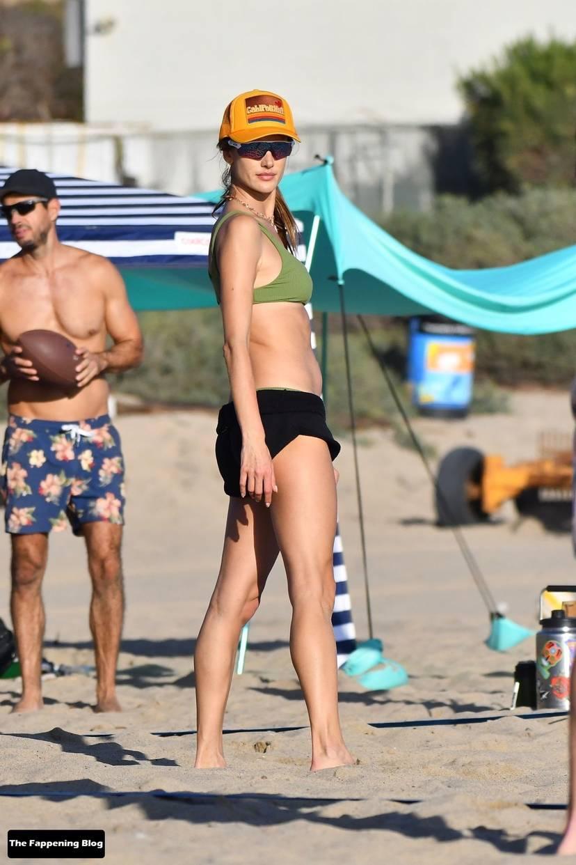 Alessandra Ambrosio on Beach 118