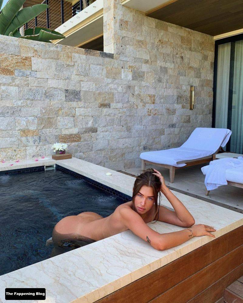 Anastasia Karanikolaou Naked Sexy 19
