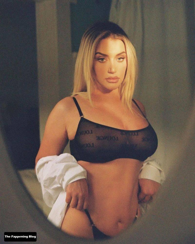 Anastasia Karanikolaou Naked Sexy 23