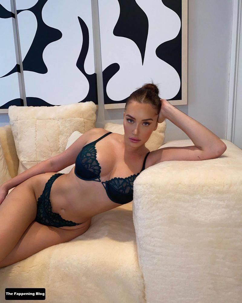 Anastasia Karanikolaou Naked Sexy 34