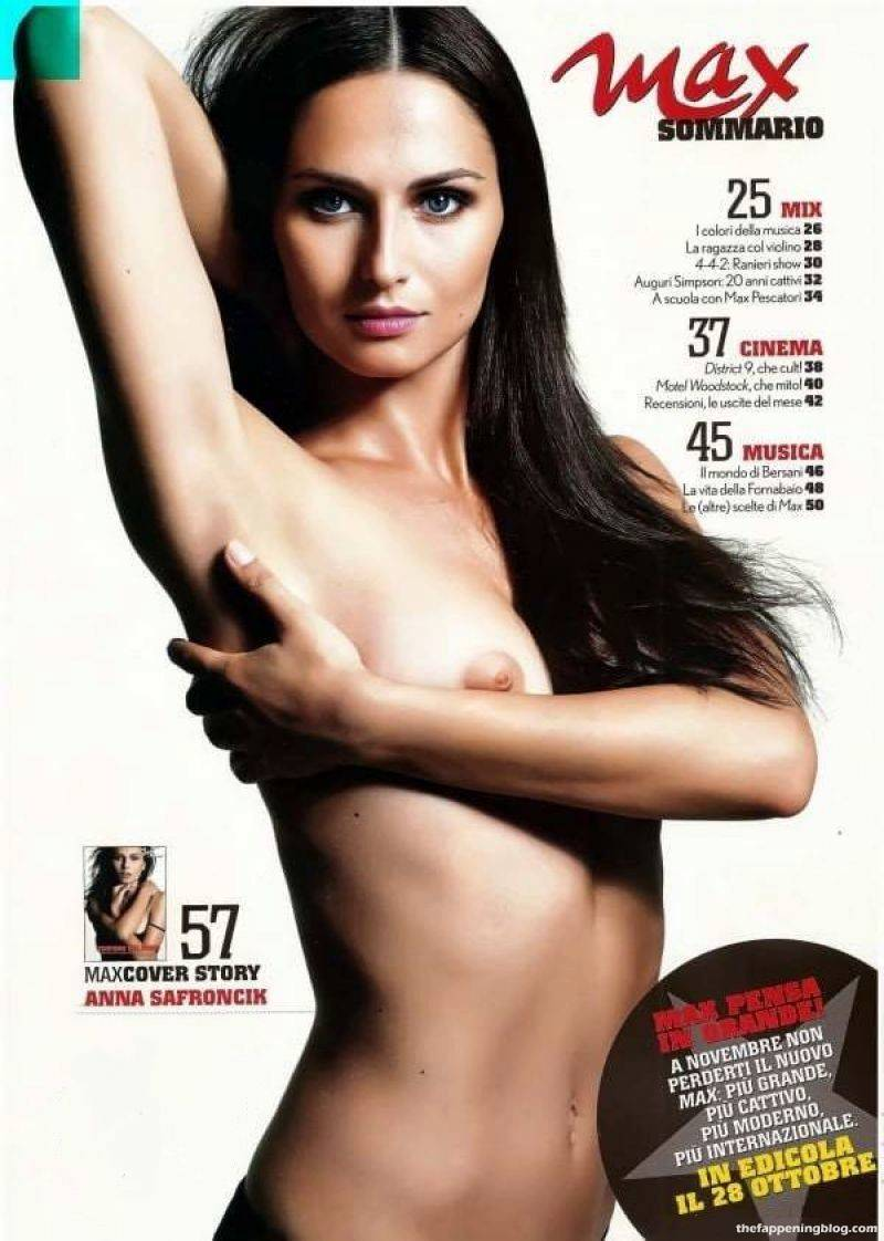 Anna Safroncik Nude Sexy 86
