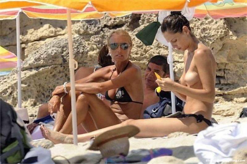 Anna Safroncik Nude Sexy 95