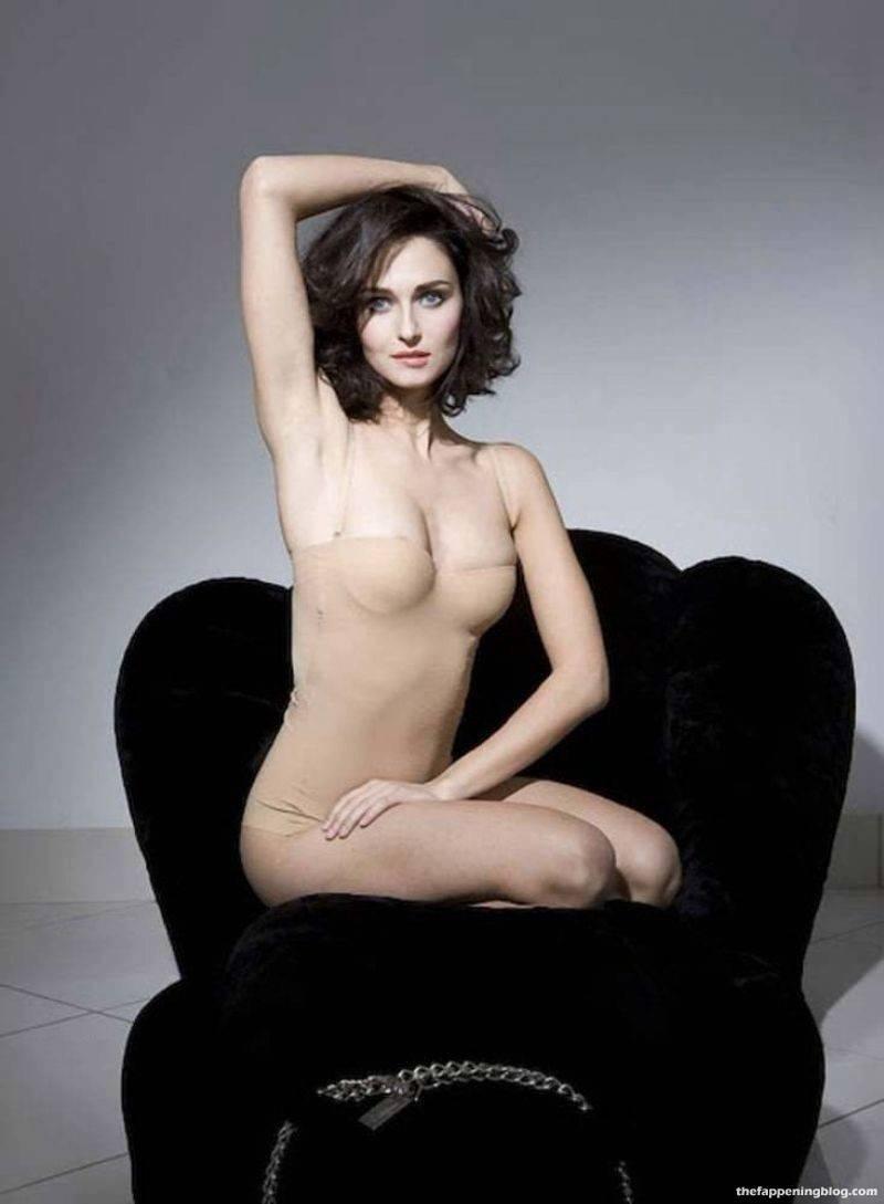Anna Safroncik Nude Sexy 117