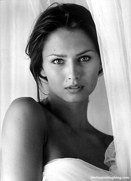 Anna Safroncik Nude Sexy 131