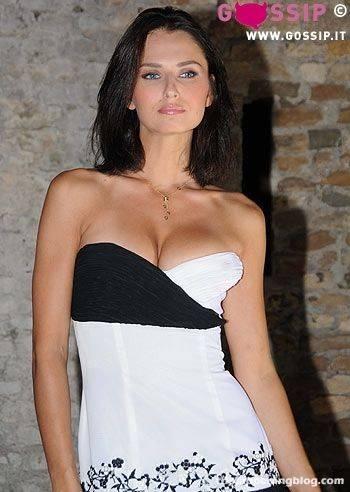 Anna Safroncik Nude Sexy 135
