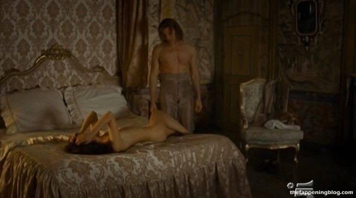 Anna Safroncik Nude Sexy 136