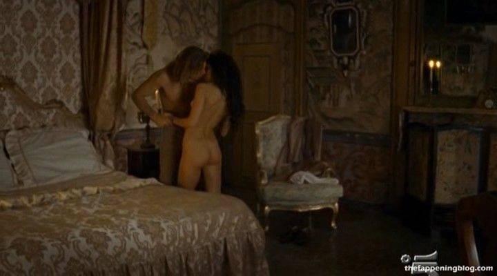 Anna Safroncik Nude Sexy 137