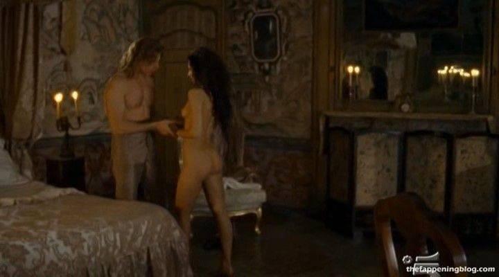Anna Safroncik Nude Sexy 141