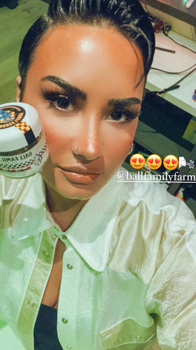 Demi Lovato Sexy 4