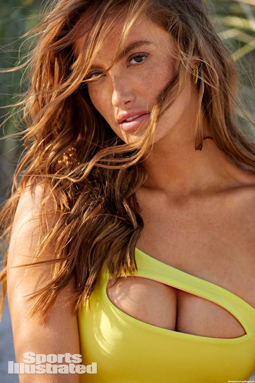 Haley Kalil Sexy Swimsuit 32
