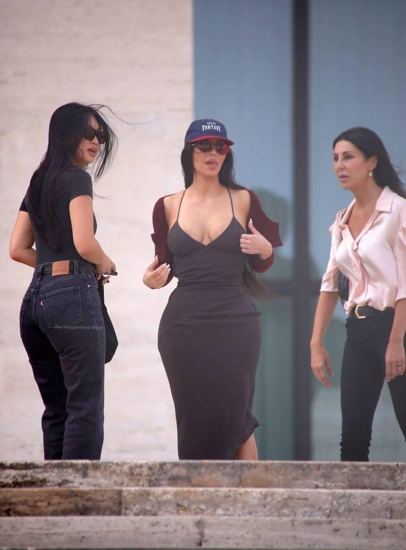 Kim Kardashian Sexy 11