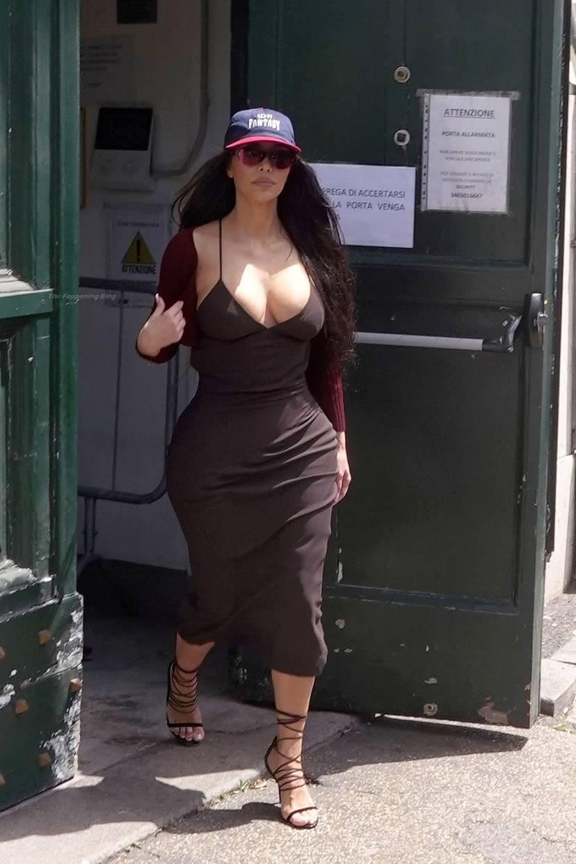 Kim Kardashian Sexy 14