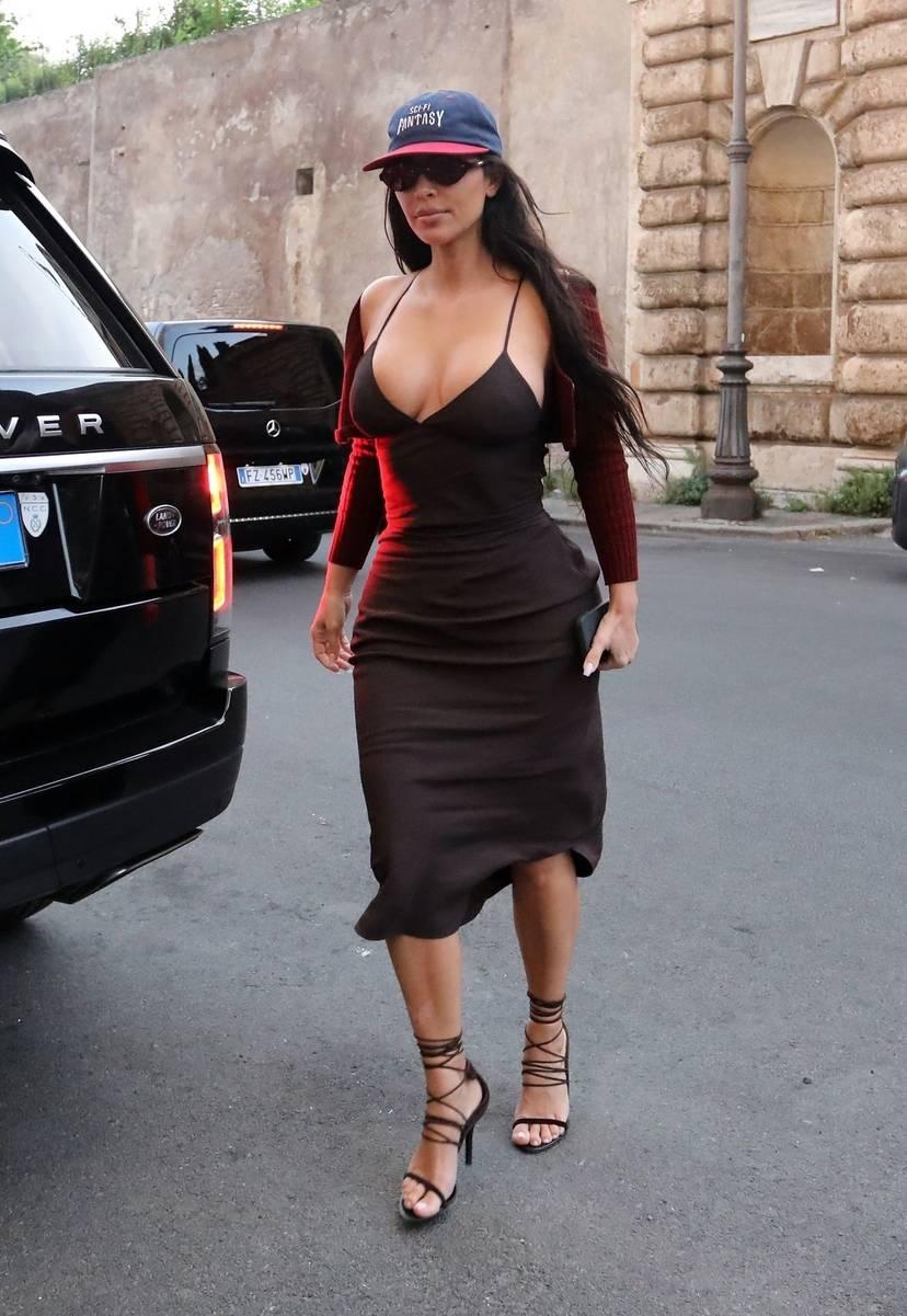 Kim Kardashian Sexy 31
