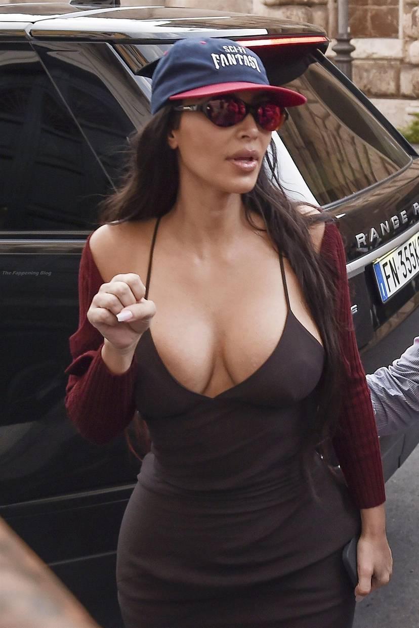 Kim Kardashian Sexy 37