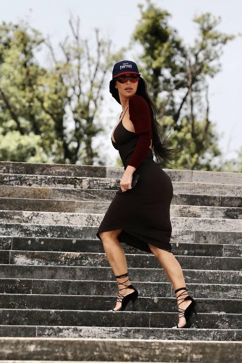 Kim Kardashian Sexy 46