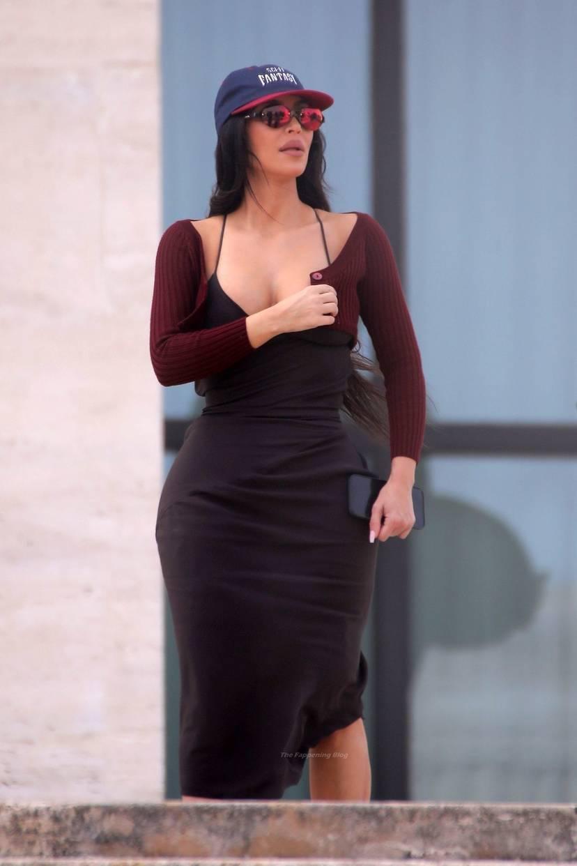 Kim Kardashian Sexy 67