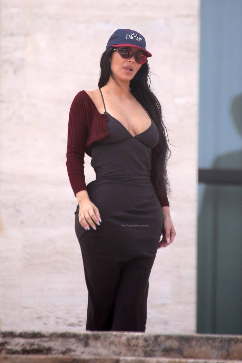 Kim Kardashian Sexy 68