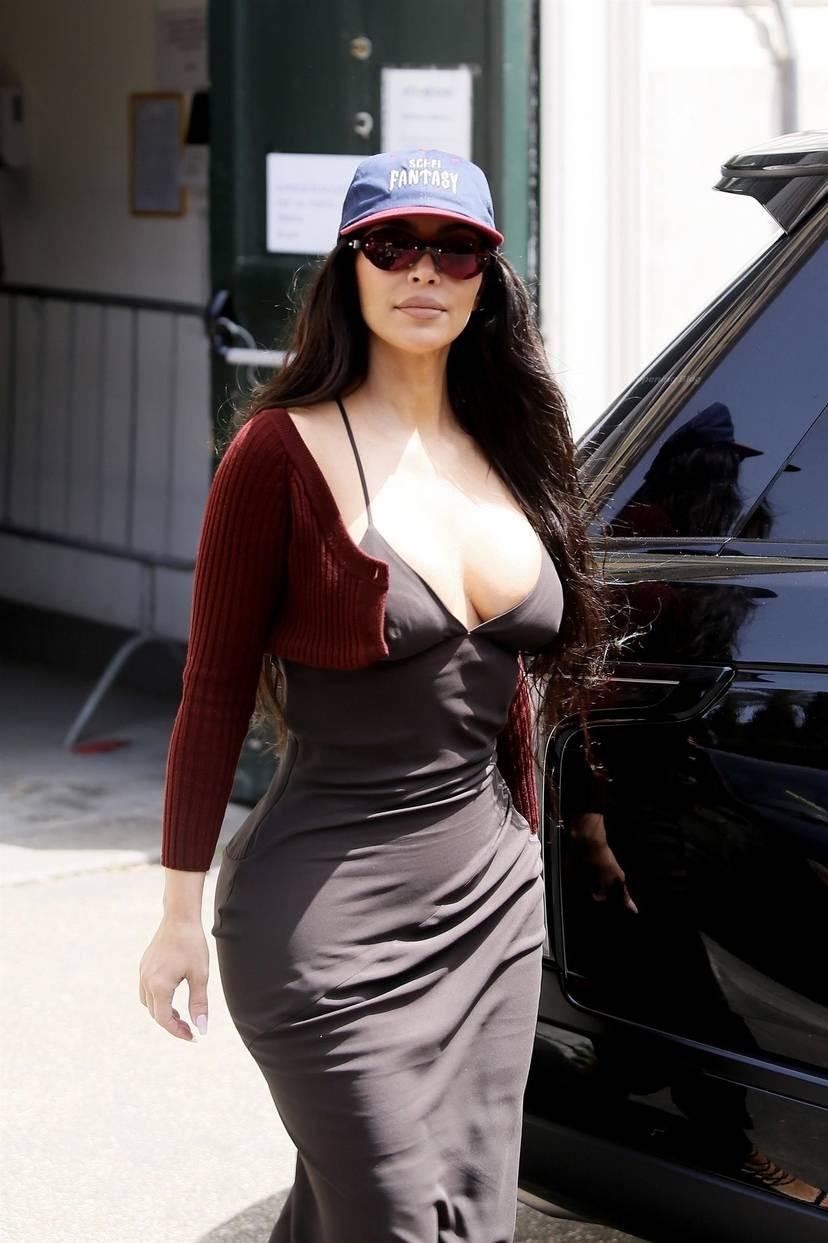 Kim Kardashian Sexy 87