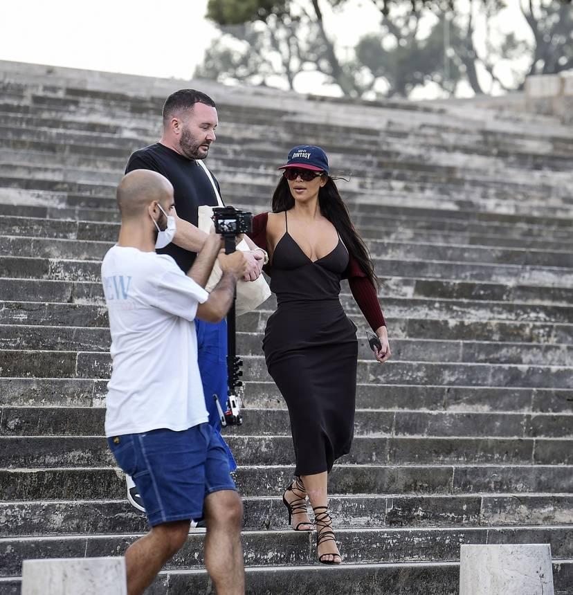 Kim Kardashian Sexy 92