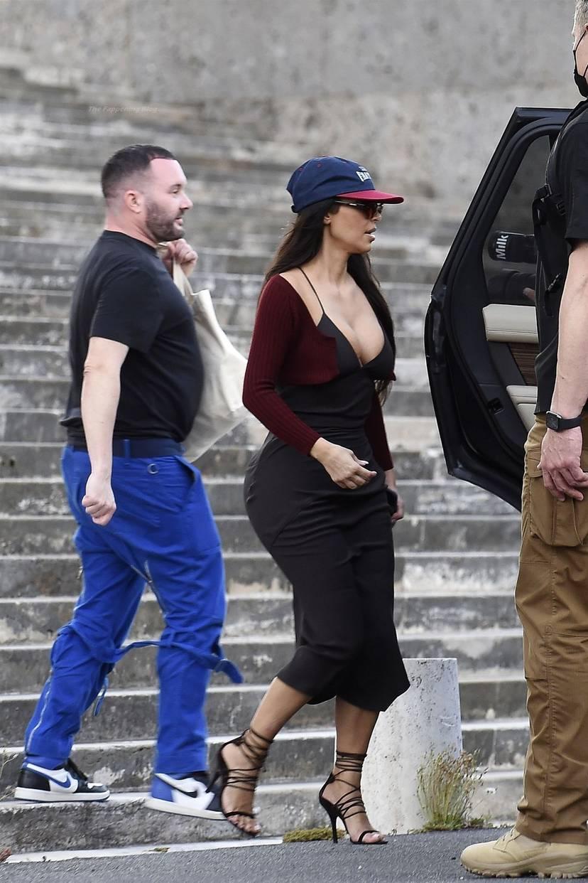 Kim Kardashian Sexy 94