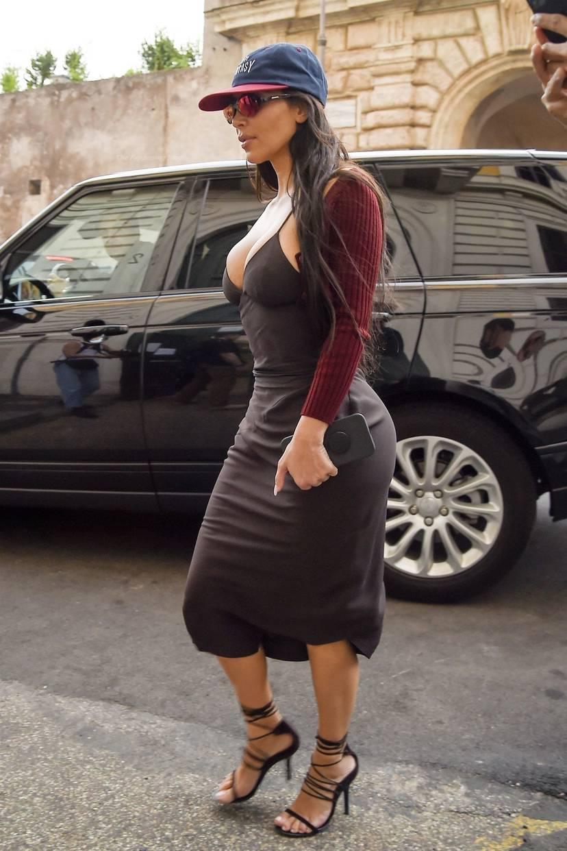 Kim Kardashian Sexy 95