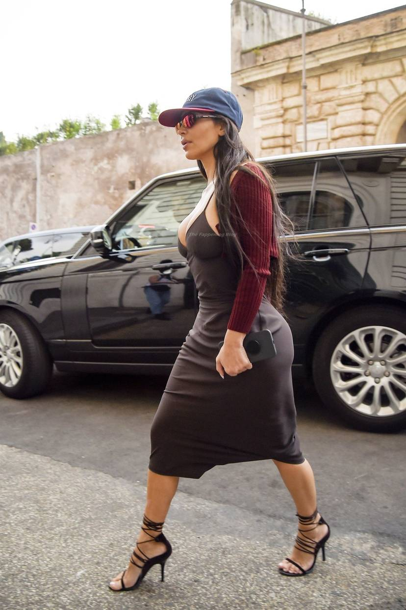 Kim Kardashian Sexy 96