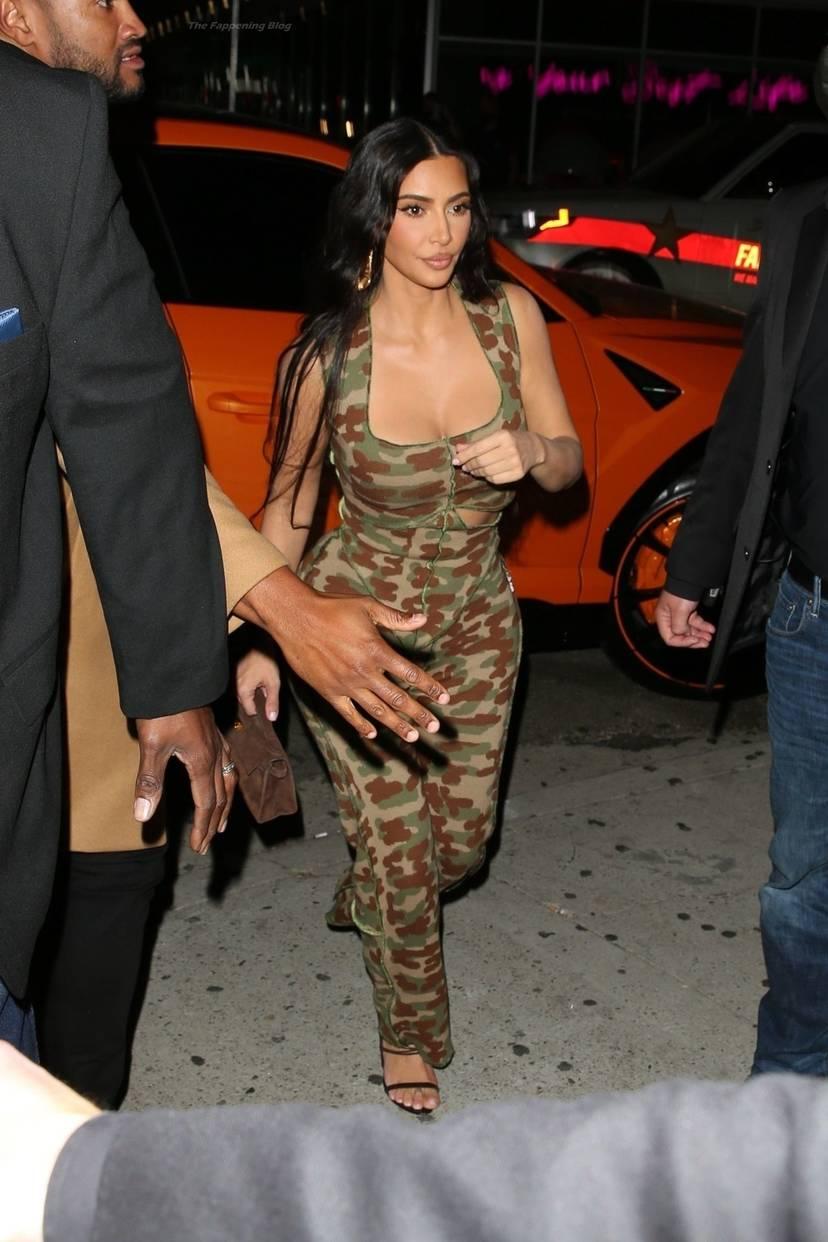 Kim Kardashian Sexy 4