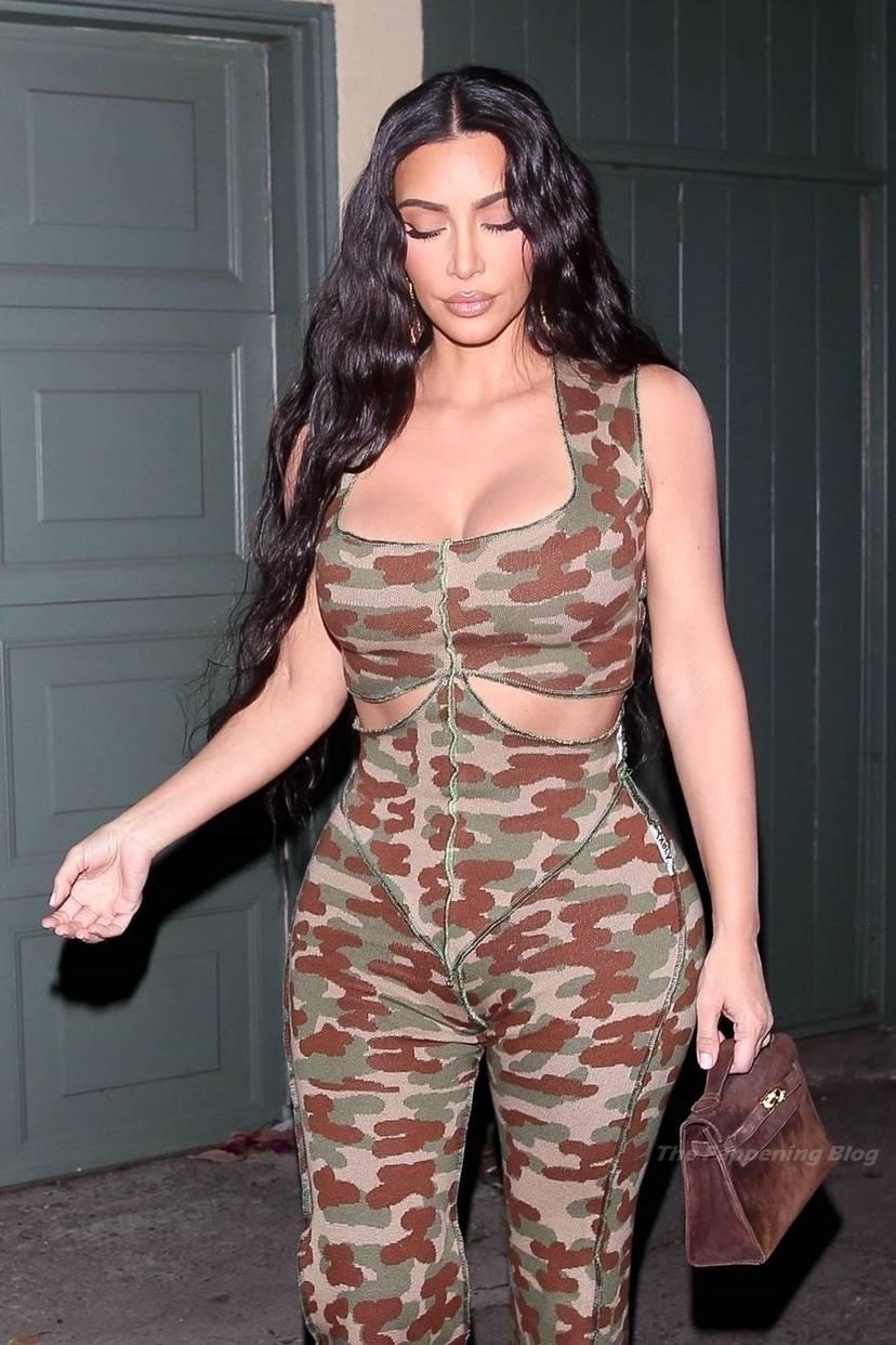 Kim Kardashian Sexy 13