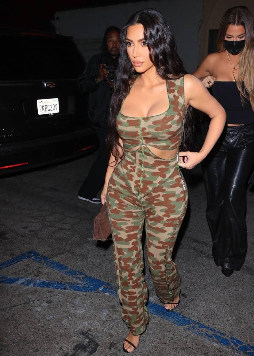 Kim Kardashian Sexy 43