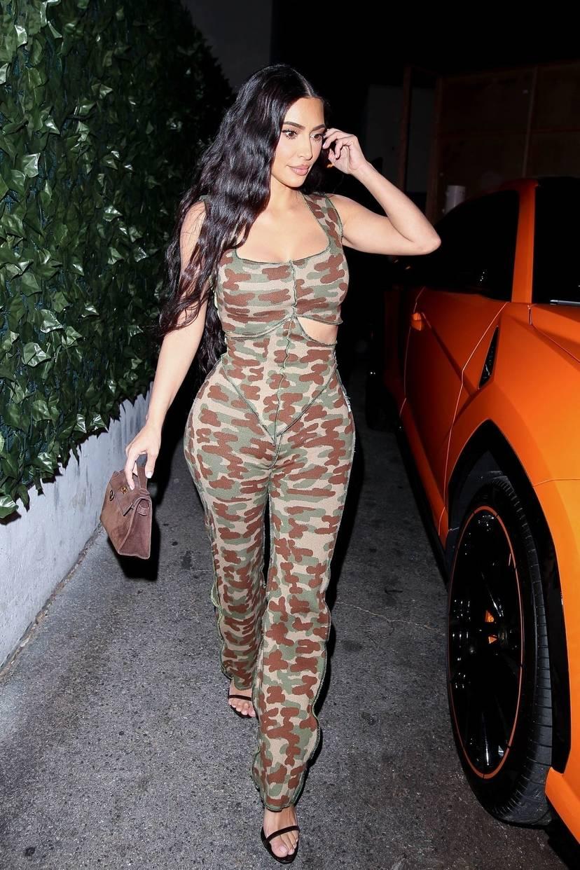 Kim Kardashian Sexy 52