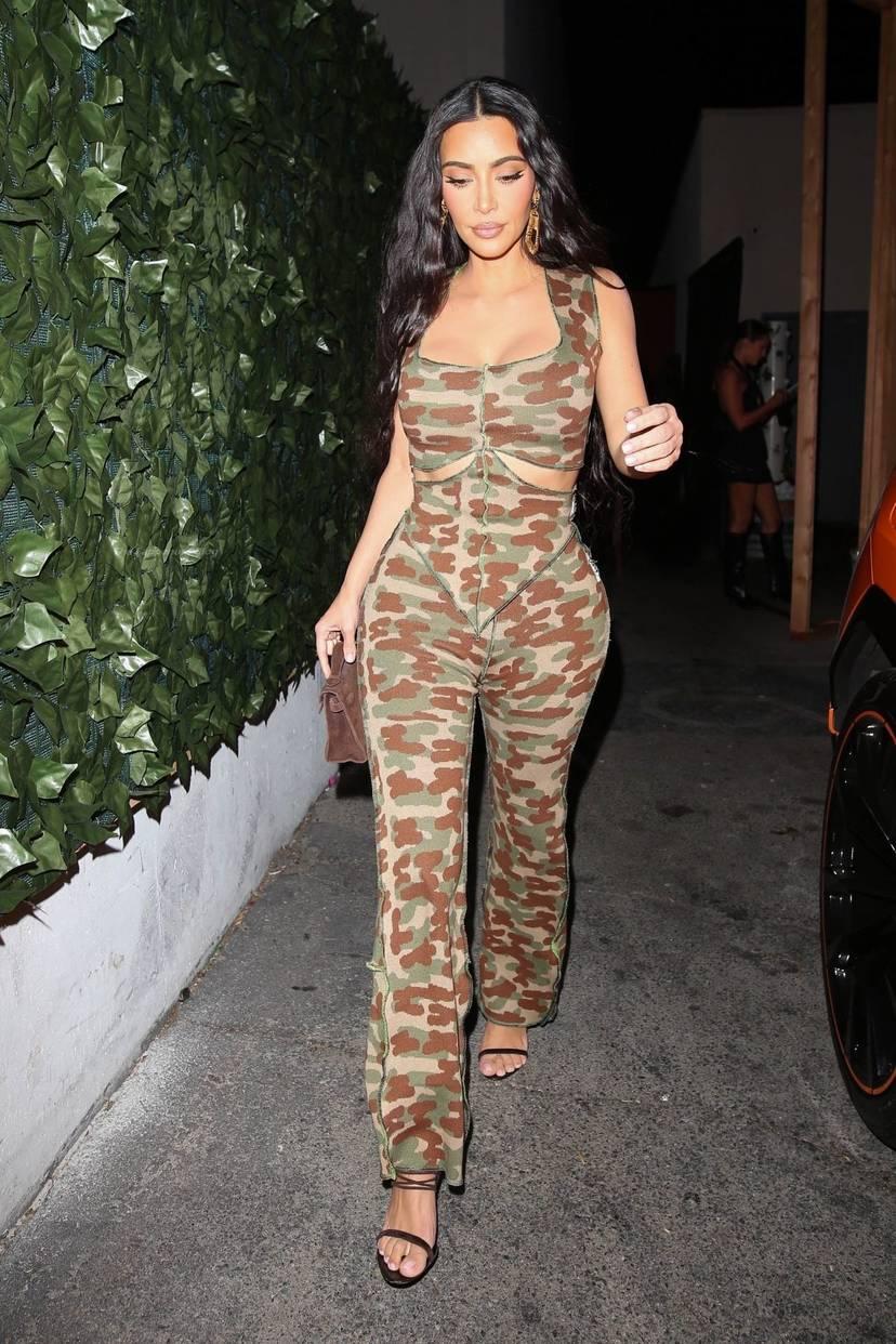 Kim Kardashian Sexy 56