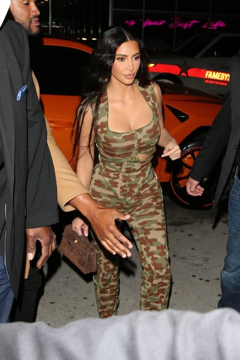 Kim Kardashian Sexy 65