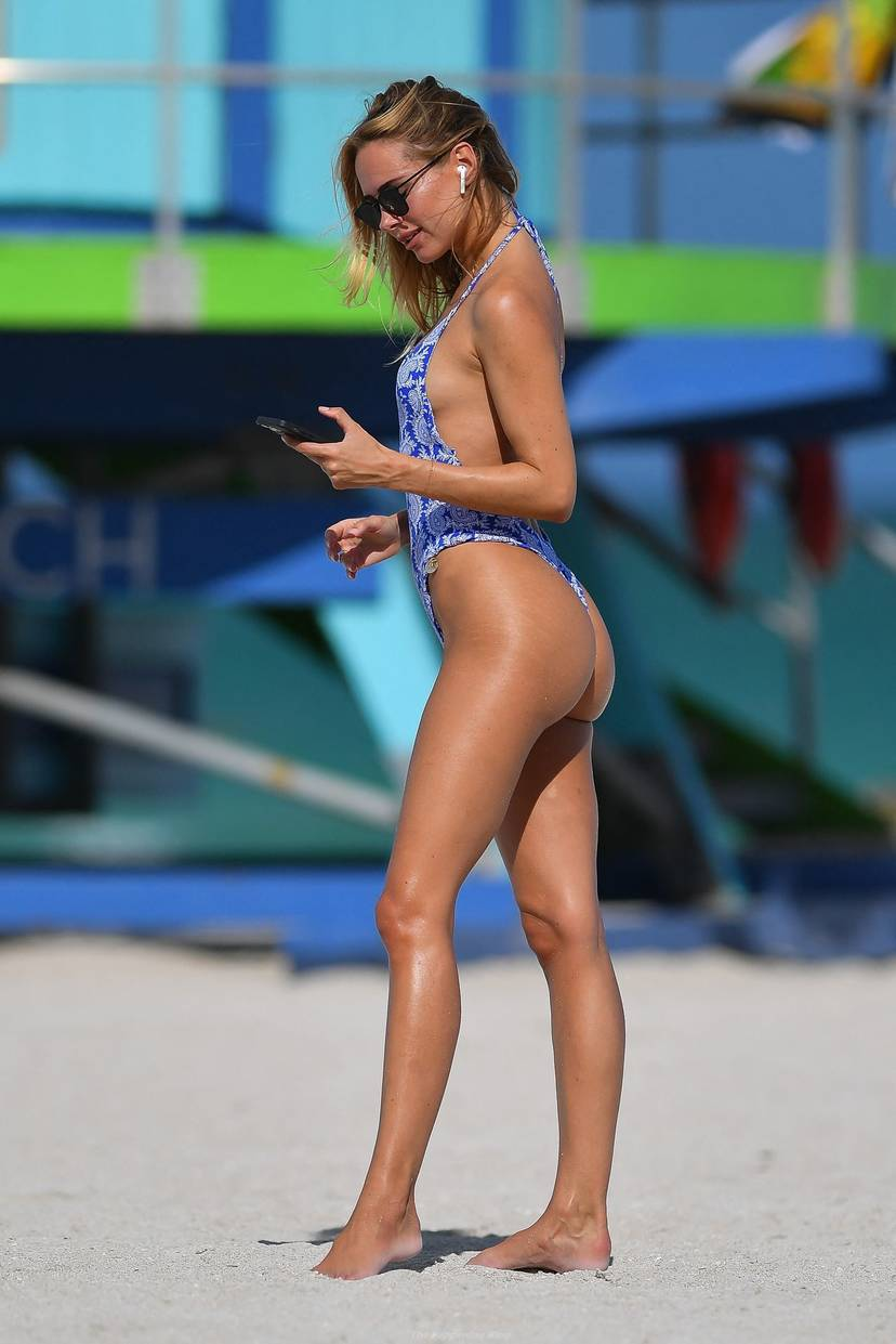 Kimberley Garner on Beach Swimsuit 14