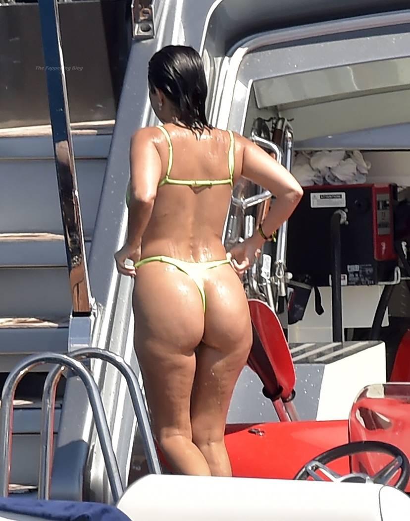 Kourtney Kardashian Butt 29