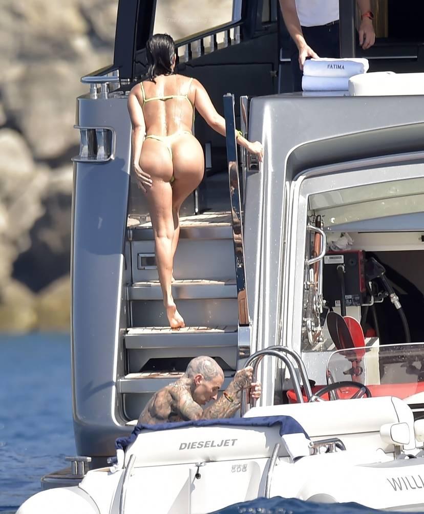 Kourtney Kardashian Butt 33