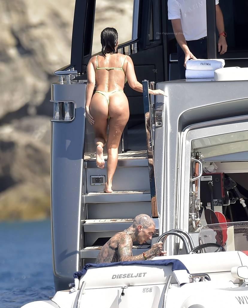 Kourtney Kardashian Butt 34