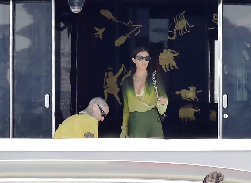 Kourtney Kardashian Butt 43