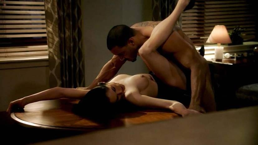 Lela Loren Naked Sexy Topless 5