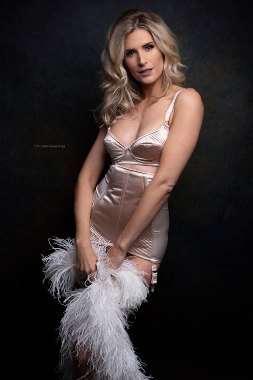 Sarah Jayne Dunn Sexy 15
