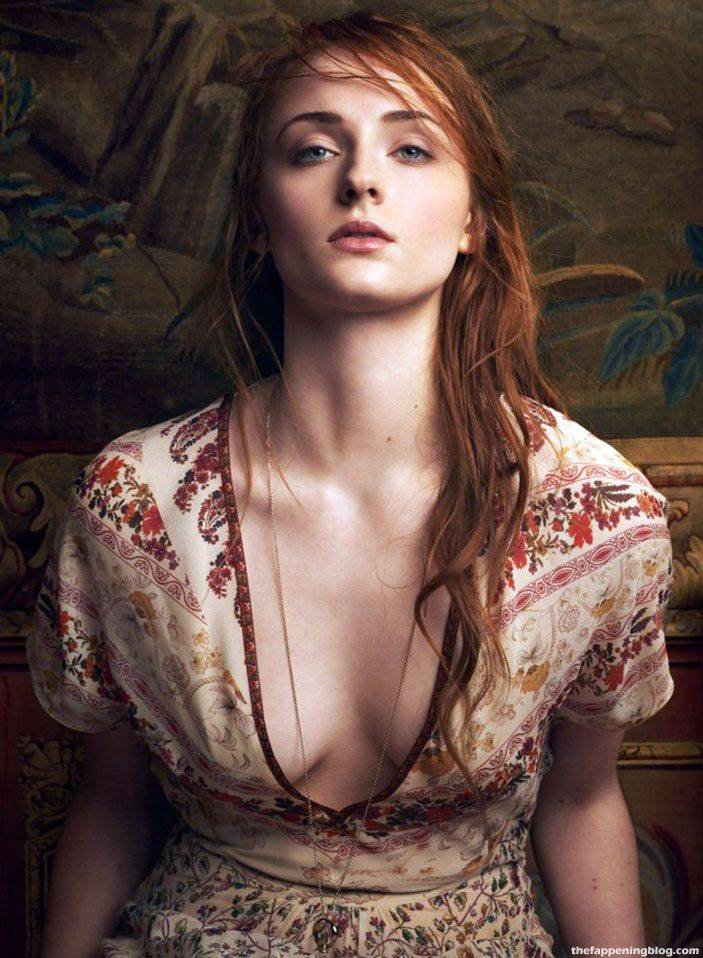 Sophie Turner Nude Sexy 56