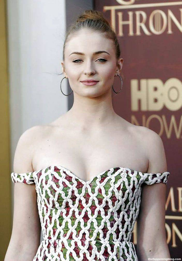 Sophie Turner Nude Sexy 66