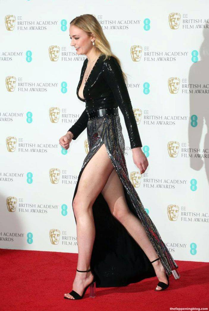 Sophie Turner Nude Sexy 74