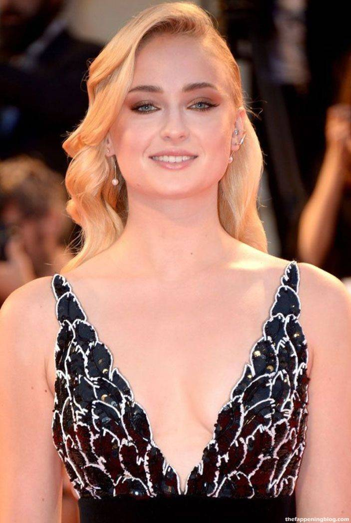 Sophie Turner Nude Sexy 75