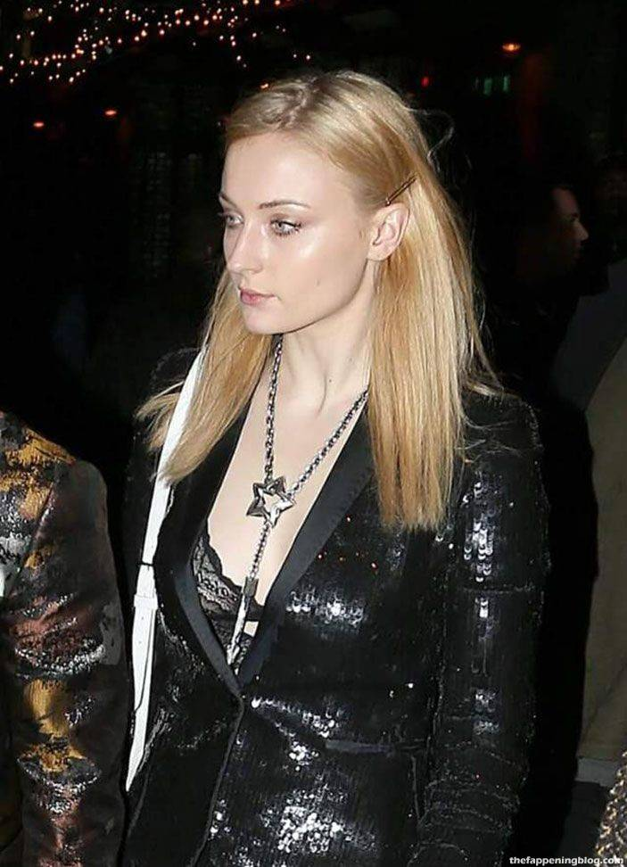 Sophie Turner Nude Sexy 77