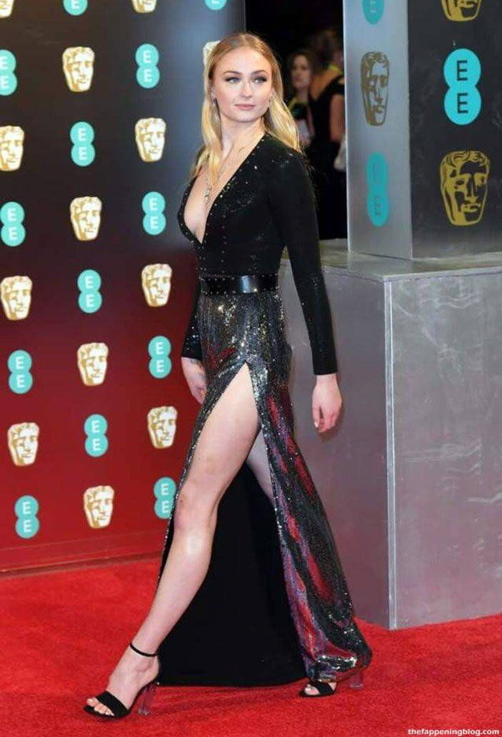 Sophie Turner Nude Sexy 79
