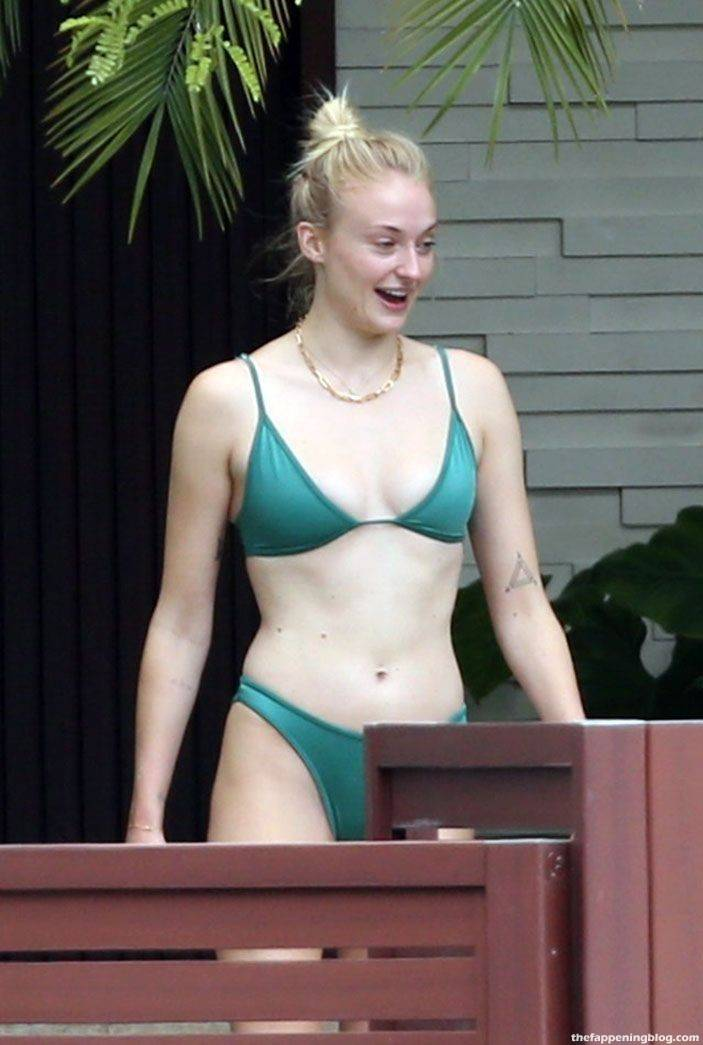 Sophie Turner Nude Sexy 94
